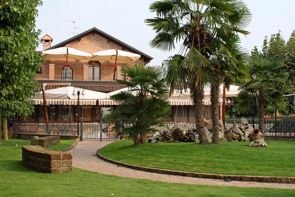 premium selection e2c2e 469c4 Antica Osteria Del Cerreto | Strada del Vino San Colombano e ...